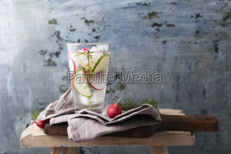 water with thyme cucumber and red