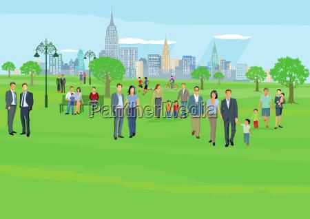 menschen in der freizeit im stadtpark