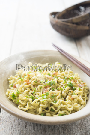 japanese dried ramen noodles