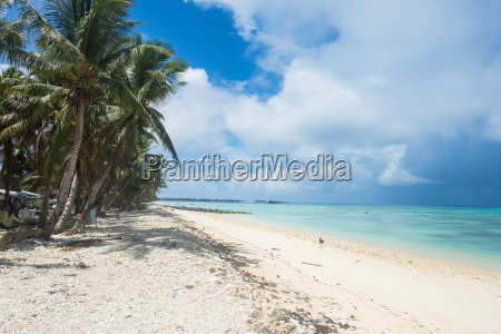 the beautiful lagoon of funafuti tuvalu