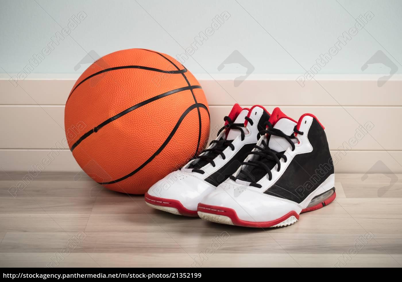 sportschuhe, und, ein, basketball - 21352199